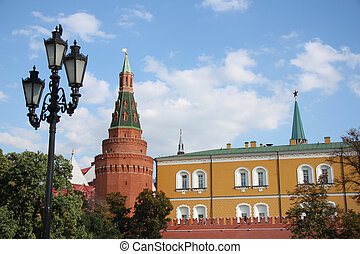 Arsenal Kremlin Tower, Moscow Kreml - Angle Arsenal tower...