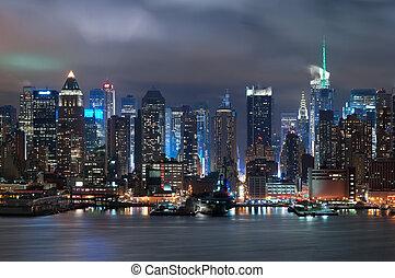 Manhattan, New York City. - Manhattan skyline viewed from...