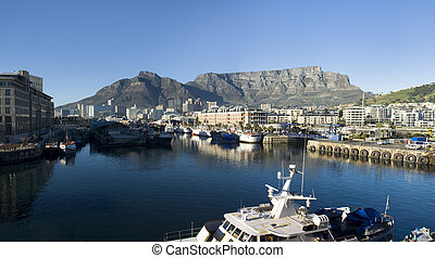 Cape Town And Table Mountain - Panorama skyline view of Cape...