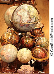 World globes - Many different world globes for sale in an...