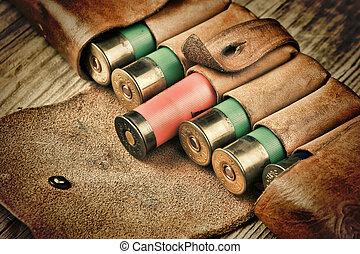 viejo, caza, cartuchos, bandoleer, de madera, tabla