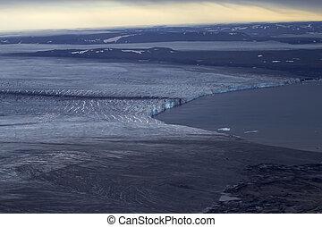 Glacial landforms 3 - Glacier and ablation. North island,...