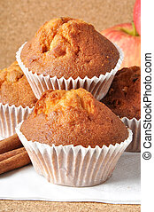muffins - Delicious muffins with apple and cinnamon