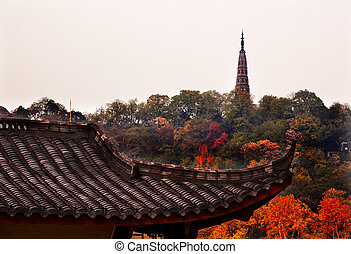 Ancient Tiled Roof Baochu Pagoda West Lake Hangzhou Zhejiang...