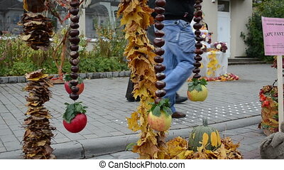 autumn leaf conker decor