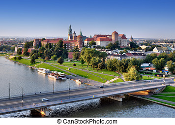 Wawel Castle, Vistula river and bridge in Karkow, Poland -...