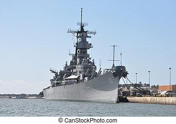 USS Missouri Battleship in Hawaii - USS Missouri Battleship...