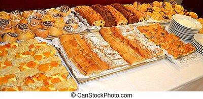 Mehlspeisen - Bunte Auswahl beim Mehlspeisenbuffet