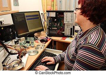 EDV-Kauffrau - Buerokauffrau am Computer