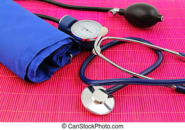 Medical sphygmomanometer, tensiometer.