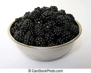 Blackberries in a dish - Objetcs isolated on white...