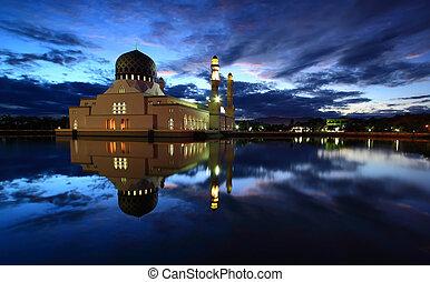 Likas Mosque at dawn - Likas mosque in Kota Kinabalu, Sabah...