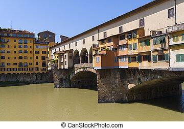 Ponte Vecchio bridge in Florenze