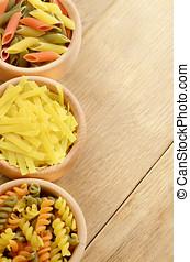 crudo, tricolor, pastas, Conjunto, de madera, tabla