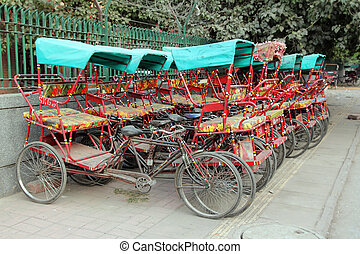 Muchos, thishaw, estacionamiento