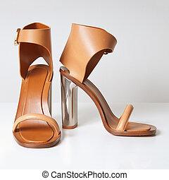 alto, talones, blanco, mujer, zapatos