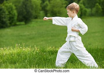 poco, niño, marca, karate, ejercicios