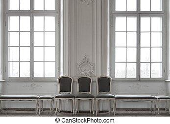 Trois, chaises, debout, fenetres