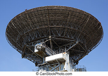 radio telescope antenna - large radio telescope antenna on...