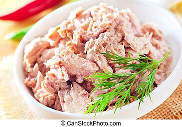 salad with tuna