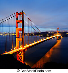 Golden Gate Bridge, San Francisco - famous Golden Gate...