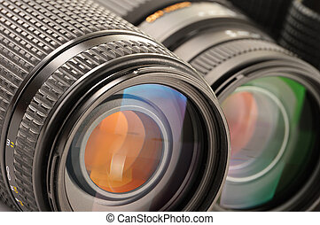 Composition with photo zoom lenses