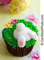 Easter cupcake - Cupcake decorated with a fondant Easter...