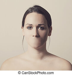 Woman without mouth - Woman with no mouth and cannot talk