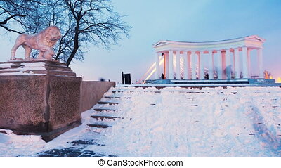 Colonnade near the Vorontsov Palace in winter timelapse