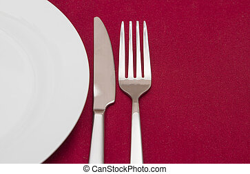 Place setting with white round plate