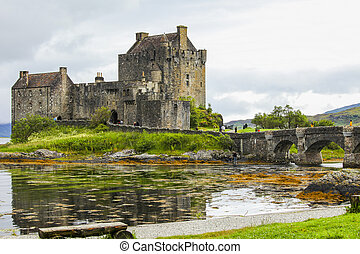 Eilean Donan castle - Eilean Donan Castle in the north of...