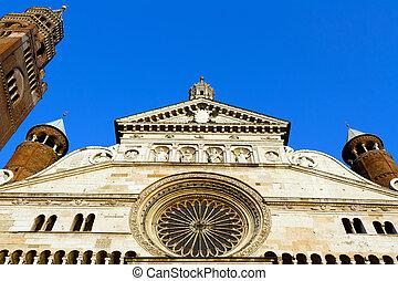 Cremona Cathedral facade