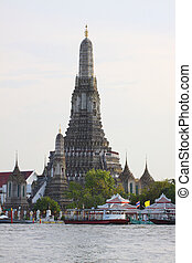 wat aroon temple bangkok thailand view from side of...