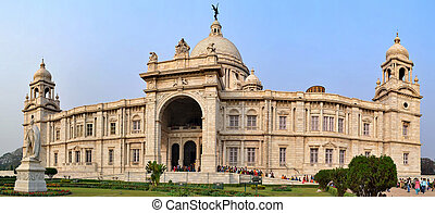 Victoria memorial - This building is a memorial building...