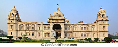 Victoria Memorial - Front view of Victoria Memorial This is...