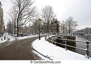 Snowy Amsterdam in the Netherlands - Snowy Amsterdam in...