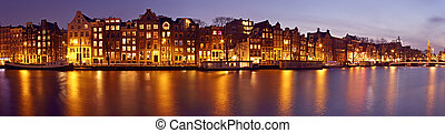 Panorama from Amsterdam with the Munt tower in the...