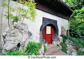 Shanghai old building - Old Chinese doorway in Shanghai