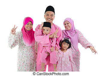 indonesian family during hari raya