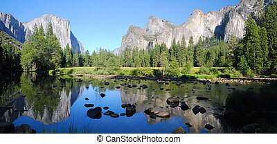 Yosemite Valley - Panorama of Yosemite Valley in the late...