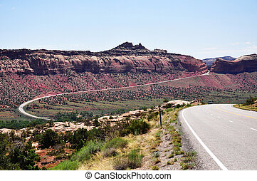 Curvy Road to Utah - Curvy road to the Natural Bridges...