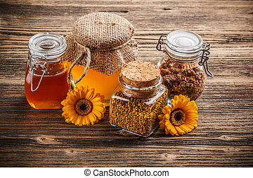 pollen,  propolis, miel