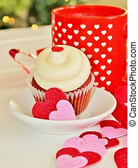 Valentines cupcake 5 - A cupcake with white icing cutout...