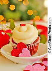 Valentines cupcake 4 - A cupcake with white icing cutout...