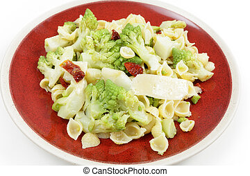 Romanescu and pasta meal