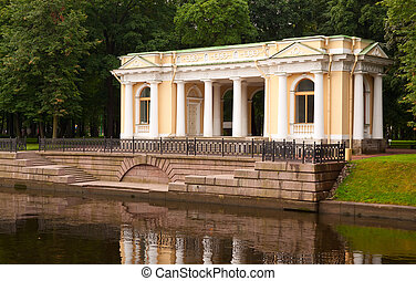Rossi Pavilion at the Mikhailovsky Garden - View of St...