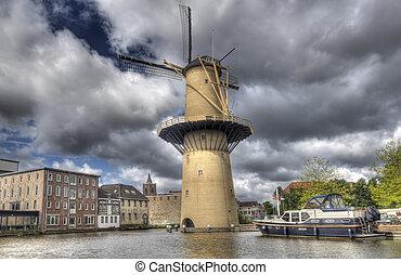 Gigante, moinho de vento