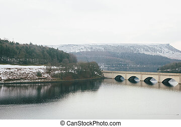 Yorshire Bridge in winter