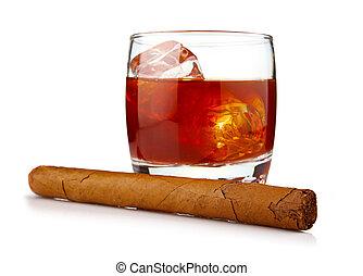 vidrio, whisky, hielo, cubos, La Habana, cigarro, aislado