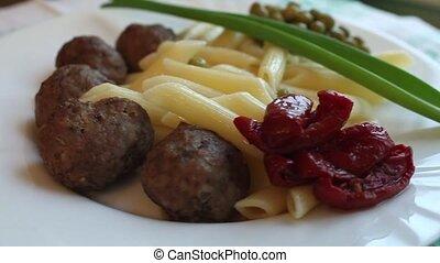 food rotates - spaghetti with meatballs